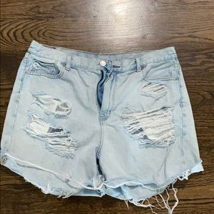 American eagle mom jean shorts size 16